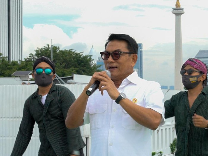 Moeldoko saat Pengambilan Video Lagu Ra Mudik Ra Popo'