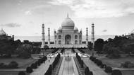 Taj Mahal Mau Tutup Sampai Kapan?
