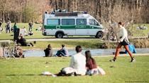 Virus Corona Merebak di Jerman, Kesalahan Kaum Muda yang Tidak Patuh Aturan?
