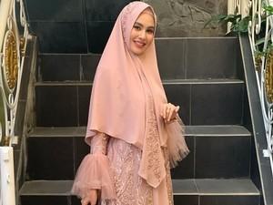 Sulam Alis Dilarang Agama, Kartika Putri Lakukan Laser Alis