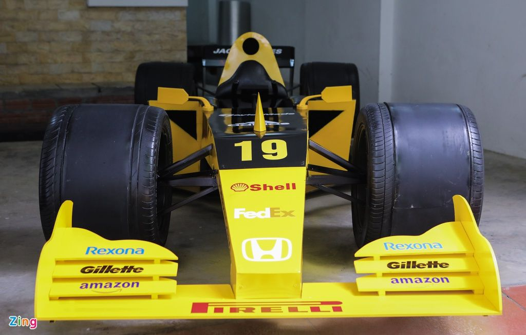 Bosan di Rumah Saja, Pria Ini Bikin Replika Mobil Formula 1