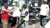 Pembagian Takjil Ramadhan untuk Warga Terdampak COVID-19