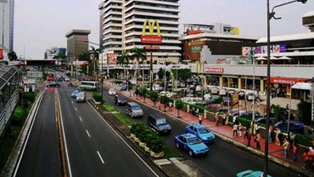 Resto cepat saji McDonald's di pusat perbelanjaan Sarinah akan ditutup usai 29 tahun beroperasi. Yuk, lihat lagi perjalanan gerai McD pertama di Indonesia itu.