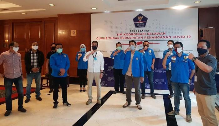 Gugus Tugas COVID-19 menggandeng DPP Komite Nasional Pemuda Indonesia (KNPI). KNPI akan bertindak sebagai partner resmi untuk berbagai program relawan.
