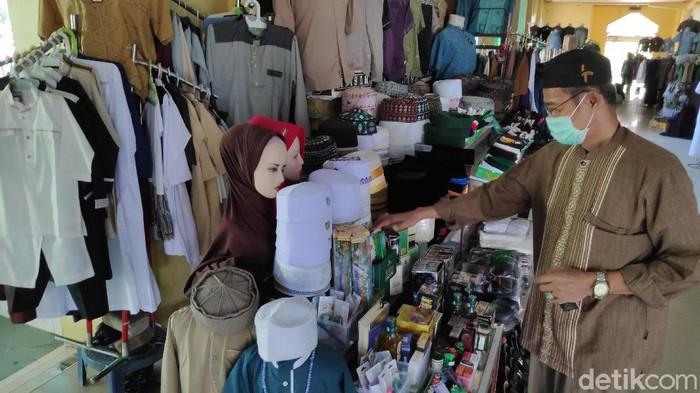 Pedagang busana Muslim di Maros Sulawesi Selatan