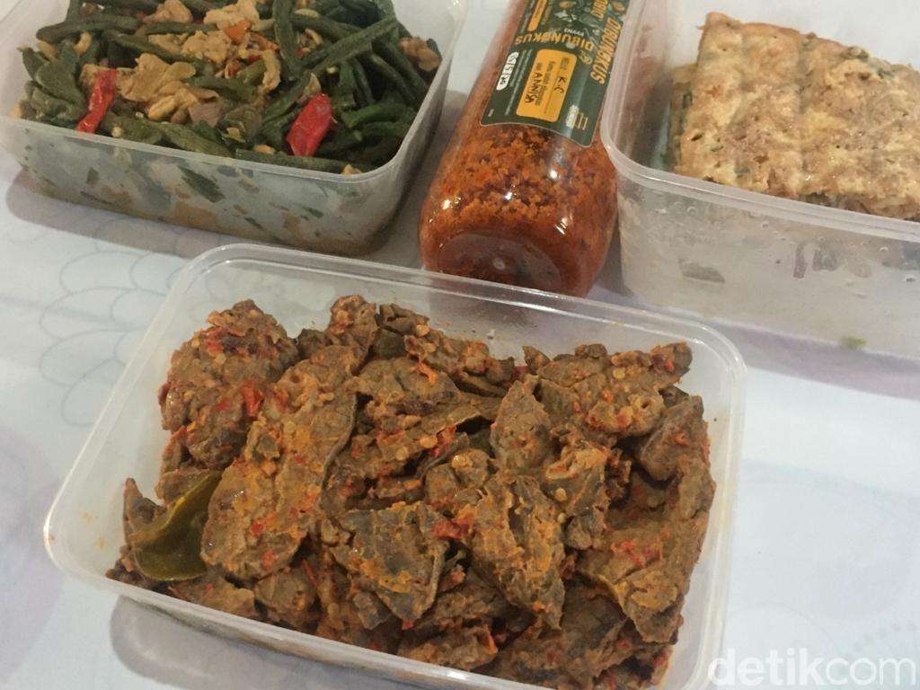 Enak Dibungkus by Chef Renatta Moeloek
