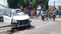 Sebuah Mobil Tertabrak Kereta Api di Lamongan, Tiga Orang Tewas