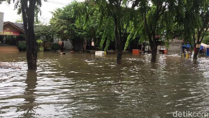 Hujan Deras Sejumlah Desa Hingga Jalan Protokol Banda Aceh Banjir