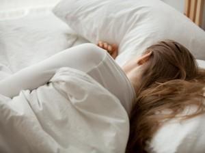 Seperti Apa Kebiasaan Tidur Kamu? Lumba-lumba, Beruang, Singa, Atau Serigala