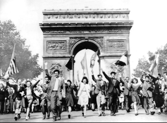 Gejolak Perang Dunia II di Eropa sirna usai Jerman menyerah tanpa syarat. Penyerahan tanpa syarat yang dilakukan Jerman jadi penanda akhir Perang Dunia II