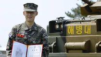 Top! Son Heung-min Tuntaskan Wajib Militer, Raih Penghargaan Pula