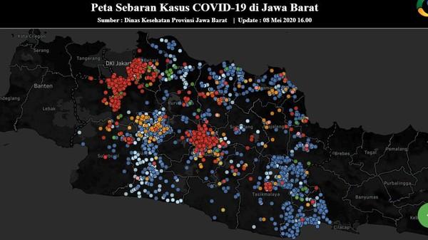 Jawa Barat menjadi provinsi lain dengan kasus corona tertinggi di Indonesia. Tiga wilayah ditandai dengan warna merah karena memiliki jumlah kasus COVID-19 tertinggi yaitu Kota Bandung, Bekasi, dan Depok. Sebaran kasus dalam peta yang diunggah https://pikobar.jabarprov.go.id/ menyatakan, beberapa pasien sudah berhasil sembuh yang ditandai titik hijau. Namun dengan jumlah kasus yang terus meningkat, Jawa Barat berada di zona merah dan menerapkan PSBB. Jawa Barat tak lagi ada di zona kuning atau oranye, sehingga semua warga hanya boleh bepergian dalam kondisi mendesak.