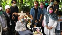 Ini Pesan Istri Adi Kurdi Usai Pemakaman
