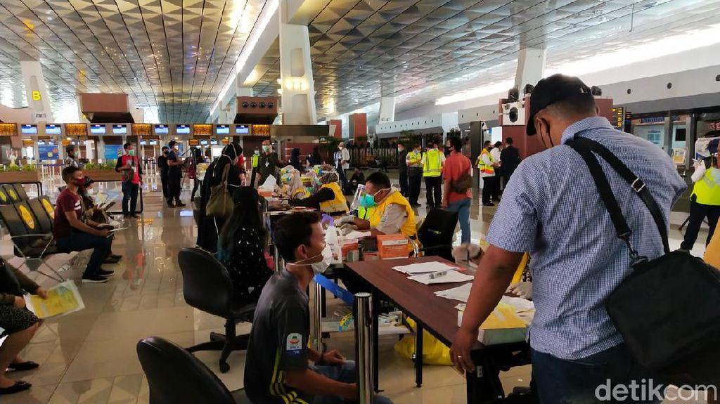 Garuda Bilang Kepadatan di Bandara Soetta Bukan Calon Penumpangnya