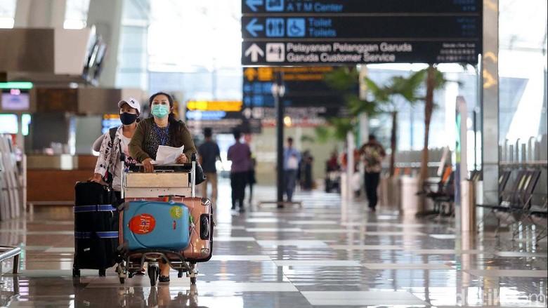Akses moda transportasi kembali dibuka oleh Kemenhub usai ditutup. Namun, sejumlah terminal hingga bandara terlihat masih sepi di berbagai wilayah.