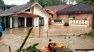 Terendam Banjir, Pabrik Aqua di Sukabumi Tutup Sementara
