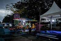 Berkurangnya jumlah pengunjung pasar malam di kawasan Kanal Banjir Timur itu terjadi imbas penerapan pembatasan sosial berskala besar (PSBB) yang diberlakukan di Ibu Kota guna menekan jumlah penyebaran virus Corona.