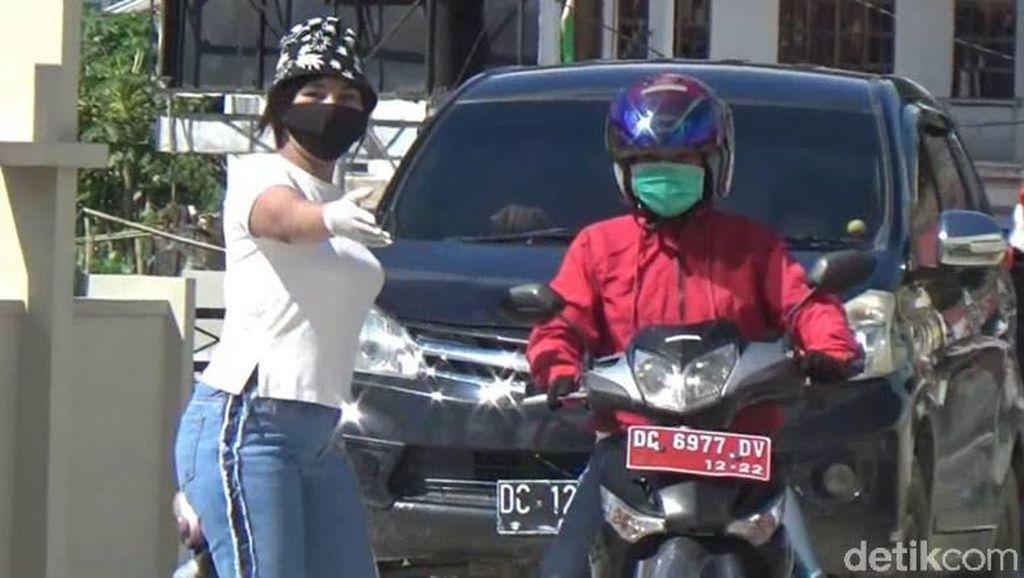 Saat Mama-mama Kece di Mamasa Sulbar Jaga Perbatasan Antisipasi Corona