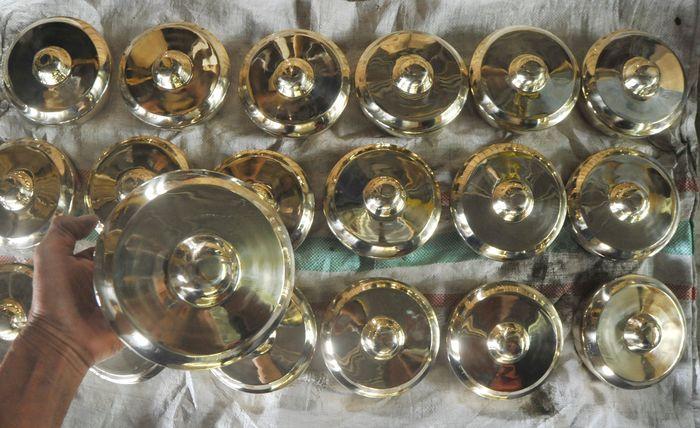 Indonesia terkenal akan kekayaan seni dan budaya yang mendunia. Salah satunya adalah talempong, alat musik perkusi tradisional dari Minangkabau.