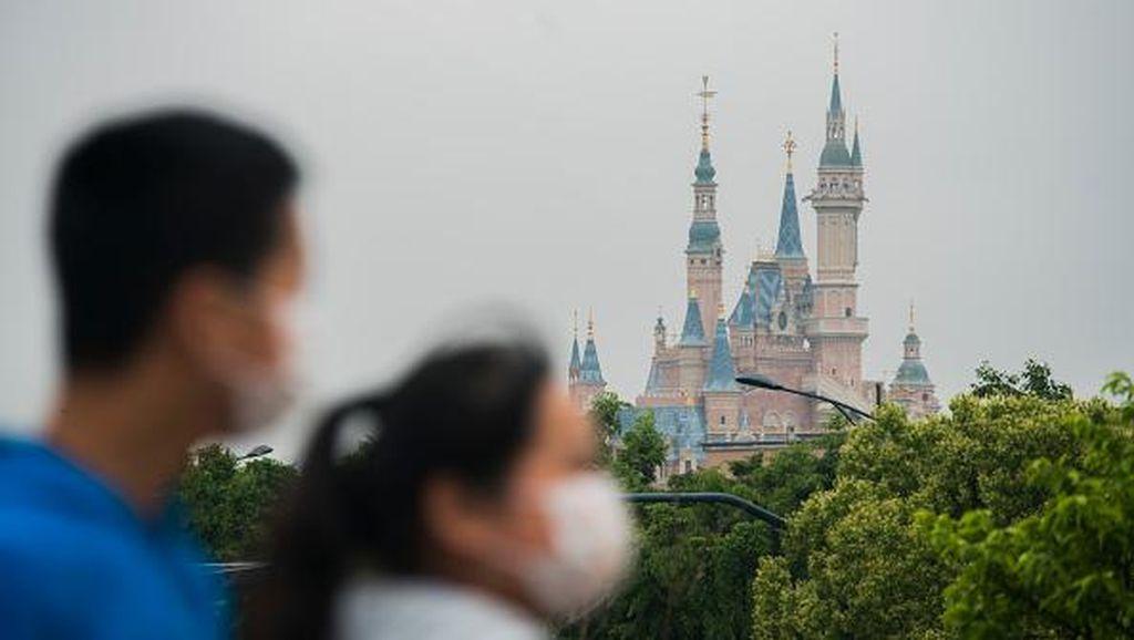 Disney Mau Tutup Puluhan Toko di Amerika Utara
