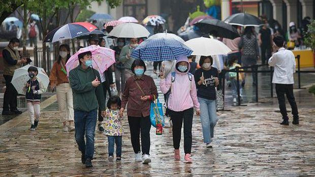 Disneyland Shanghai di China sempat ditutup selama 3 bulan imbas pandemi Corona. Kini tempat wisata akan dibuka kembali dan siap menyambut wisatawan.