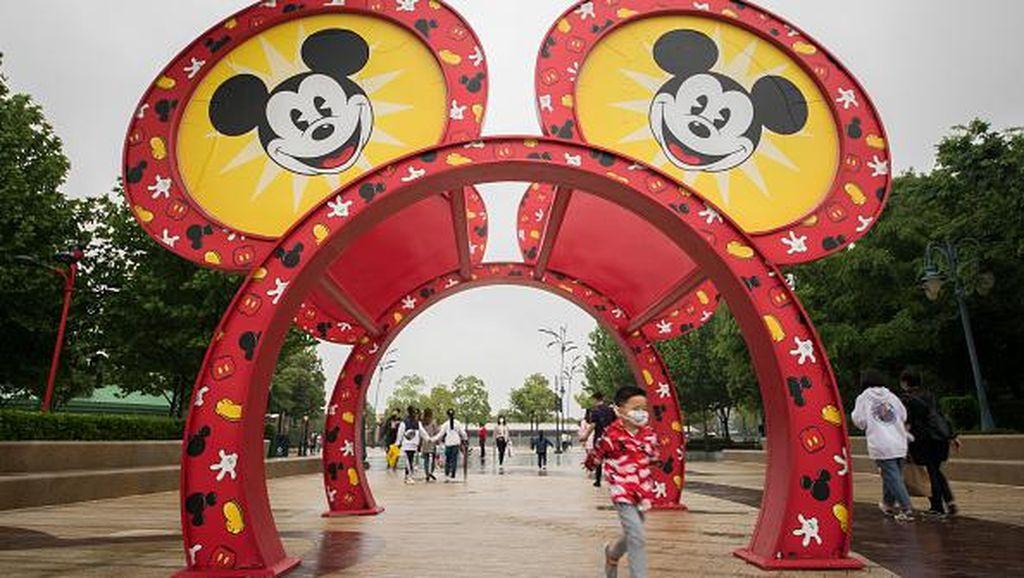 Corona Mereda, Disneyland Shanghai Kembali Buka