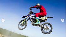 Kini Rossi Bisa Terbang Lagi Pakai Motor Motocross