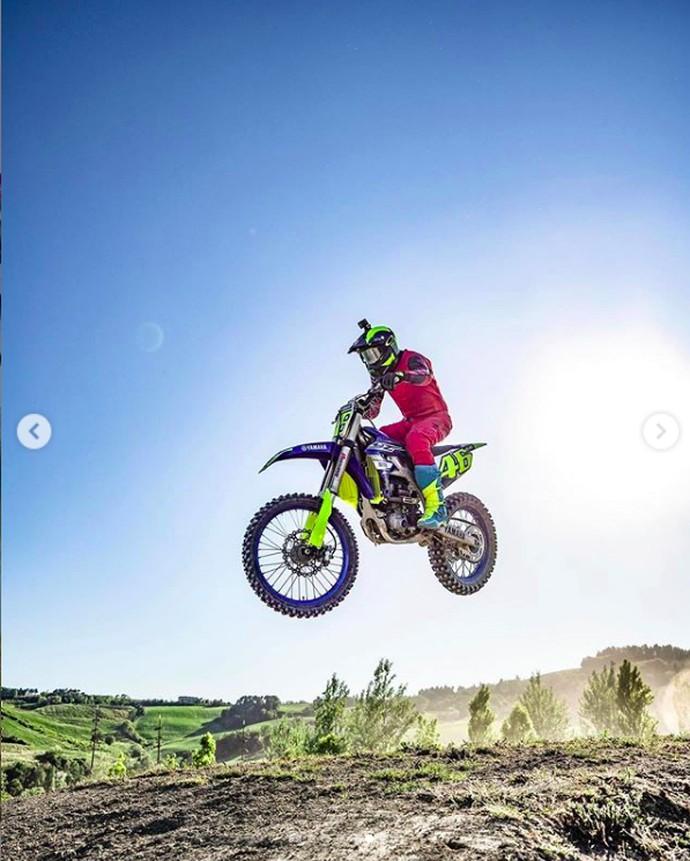 Rossi Kembali Latihan Motocross