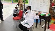 Risma Sebut 50% Pasien Corona yang Dirawat di RS Surabaya Bukan Warganya