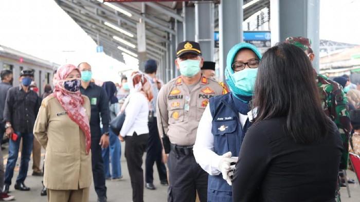 Tes massal Corona kepada penumpang KRL, Bupati Bogor Ade Yasin