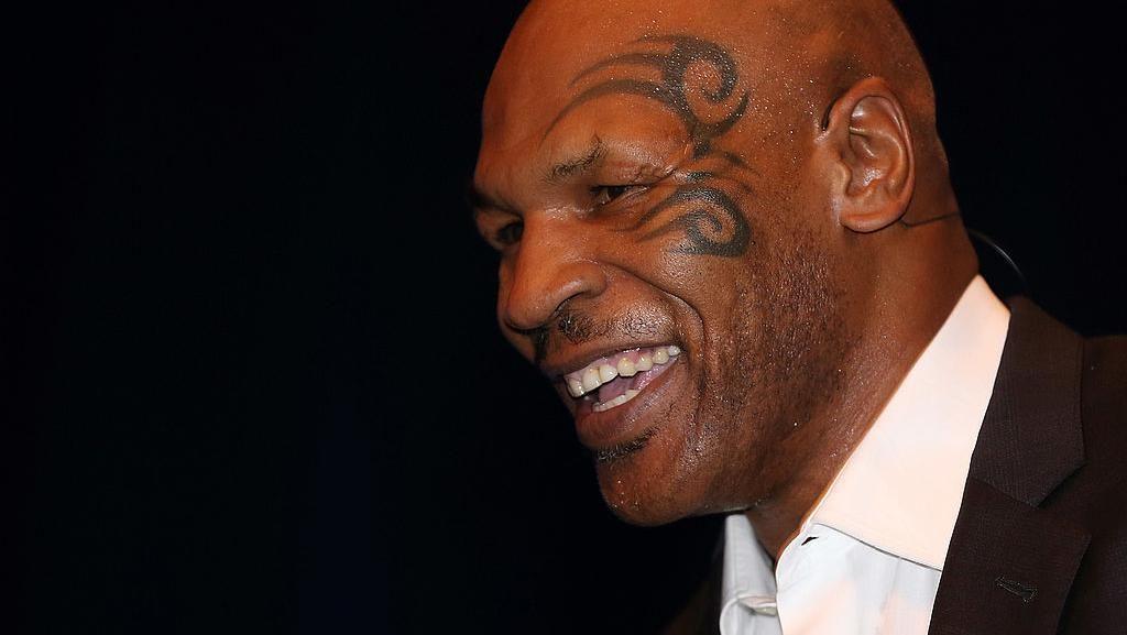 Mike Tyson Adalah Legenda, Buat Apa Meninjunya