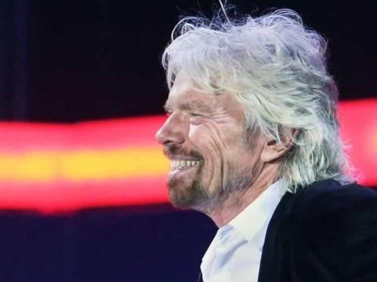 Dampak virus corona terhadap penerbangan: Miliarder Inggris, Richard Branson jaminkan pulau pribadinya untuk cari pinjaman guna menyelamatkan maskapai penerbangannya