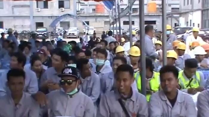 Dua perusahaan pemurniaan nikel yakni PT VDNI dan PT OSS terpaksa merumahkan ribuan karyawan yang merupakan tenaga kerja lokal. Hal tersebut diungkapkan Deputi Eksternal Manager PT VDNI, Ahmad A Chairilah Widjan, Minggu (10/5/2020).
