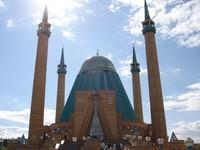 Selain menjadi tempat ibadah, Masjid Mashkhur Jusup juga dilengkapi dengan fasilitas umum seperti gedung sekolah, gedung pernikahan, museum budaya Islam, perpustakaan, dan sejumlah ruangan umum lainnya. Istimewa/Dok. Wikipedia/Zac allan.