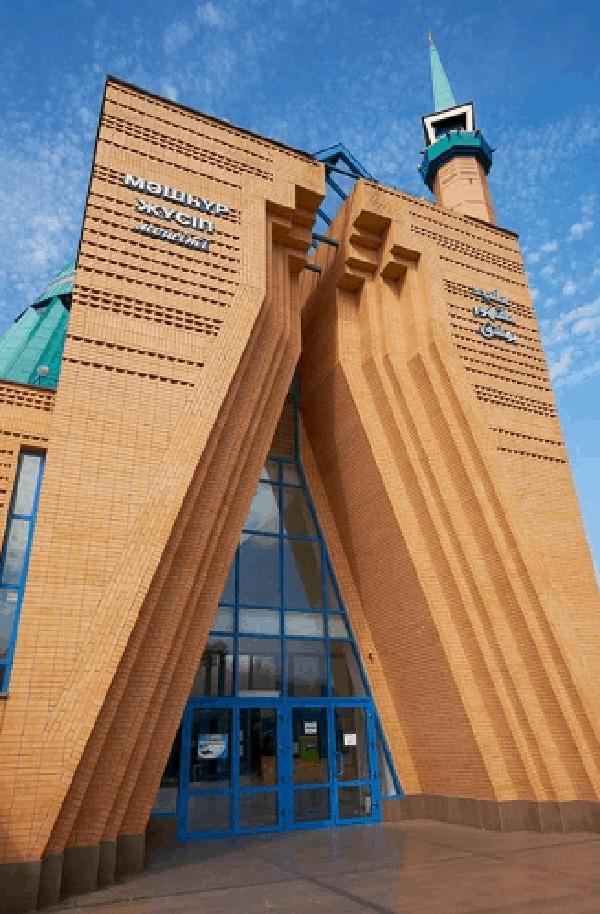 Masjid yang berdiri di atas kompleks seluas enam hektare itu diketahui dapat menampung hingga ribuan jemaah. Istimewa/Dok. www.kontraktorkubahmasjid.com.