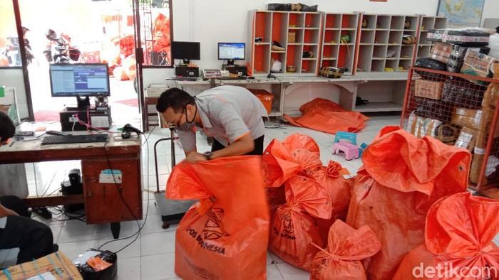 Pengiriman barang via PT Pos Indonesia di Kudus