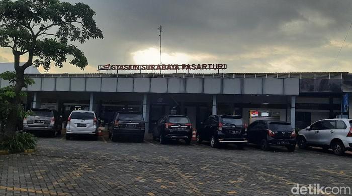 stasiun pasar turi