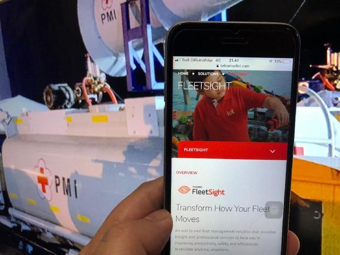 Penyediaan solusi IoT dari Telkomsel kepada PMI dalam membantu menanggulangi COVID-19 di Indonesia.