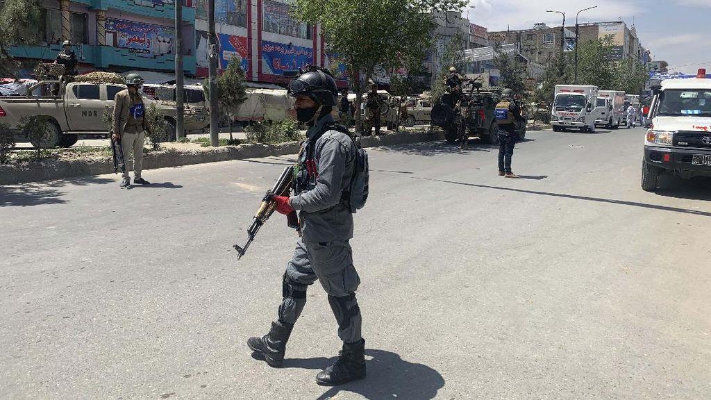 Video Penyerangan Masjid di Afghanistan, 8 Jemaah Tewas
