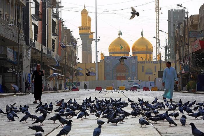 Pemerintah wilayah Kurdistan Iran telah cabut larangan beribadah di masjid. Masjid Agung Sulaymaniyah pun kini kembali dibuka untuk umum.