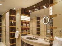 Kamar mandi utama memiliki cermin dan wastafel penuh. Istimewa/Dok. Boredpanda/albertopinto.
