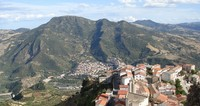 Kota ini disebut dengan nama Chillu Paese atau Kota Itu. (Google Maps)