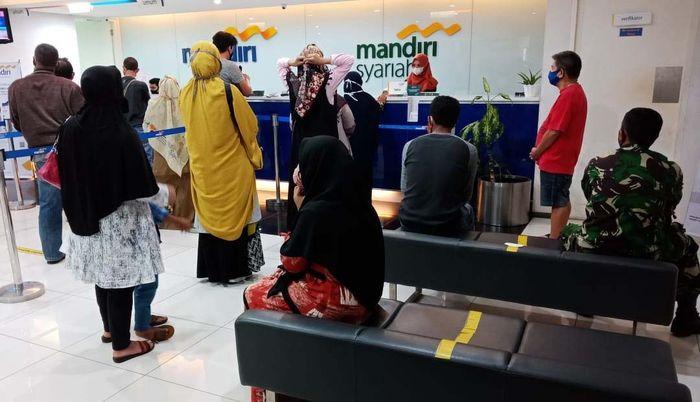 Bank Syariah Mandiri membuka lima kantor cabang baru dan merelokasi tiga kantor cabang eksisting yang berlokasi di Cabang Bank Mandiri (sharing office). Istimewa/Dok. Syariah Mandiri.