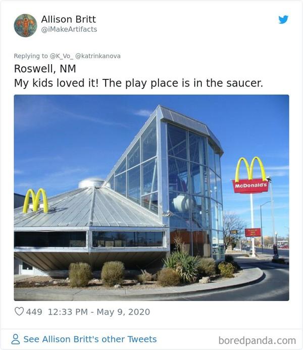 Bangunan McDonalds di Roswell, New Meksiko mirip seperti stasiun luang angkasa. (Bored Panda)