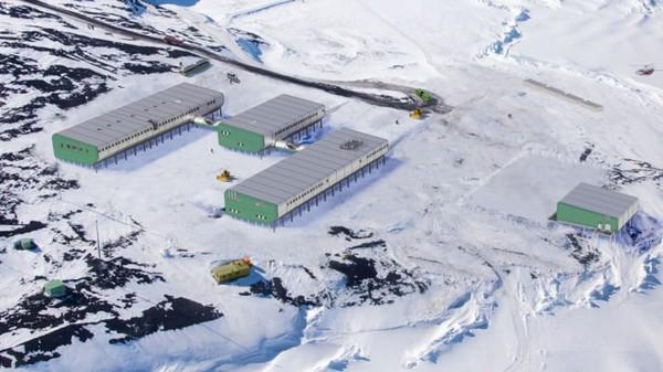 Benua ini sepenuhnya bebas dari infeksi Corona. Antartika, tempat terdingin di Bumi, dikonfirmasi tak memiliki kasus positif sama sekali.