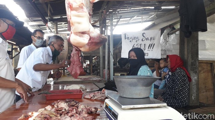 Penjual Daging Sapi di Bandung
