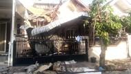 Rumah di Cemara Asri Sumut Ambruk, Warga Sempat Dengar Ledakan