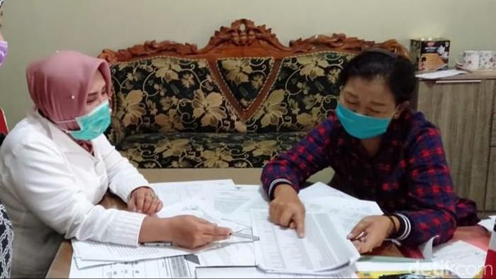 Istri kepala dusun di Bantul mengembalikan bansos COVID-19 karena merasa salah sasaran, Rabu (13/5/2020).