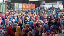 Video Buruh Garmen Sukabumi Demo Tolak Pembayaran THR Dicicil 3 Kali