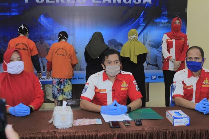 Polisi merilis kasus muncikari prostitusi di Aceh. (Dok Polres Langsa)